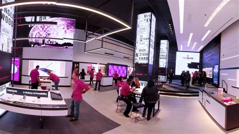 new mobile shop t mobile chicago store 360