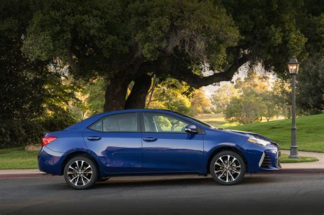 Toyota Coralla 2017 Toyota Corolla Reviews And Rating Motor Trend