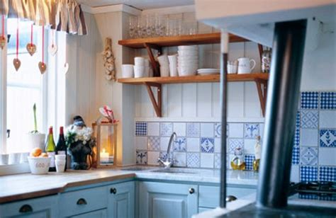 cool small kitchen ideas 33 cool small kitchen ideas digsdigs