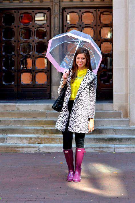 rainy days das de 0856686352 collegefashionista x hunter boot temple university hunteruniversitystyle rainy day outfits