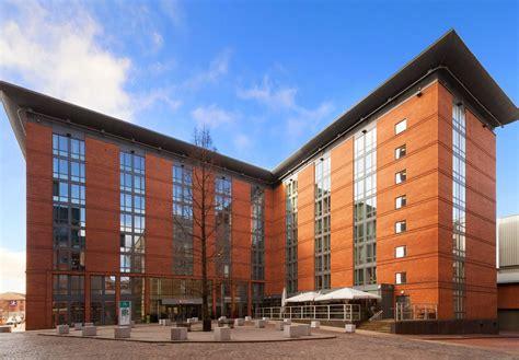 hton inn and suites hotel garden inn birmingham brindleyplace 1 brunswick