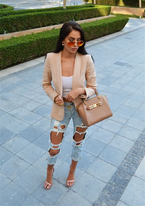 white blazer neutral colored tank black jeans pants wanna see more follow me pinterest theylovecyn cute