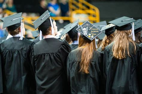 Of Iowa Mba Pm Graduation by Ui Students Receive Degrees After 2014 Fall Session Iowa Now