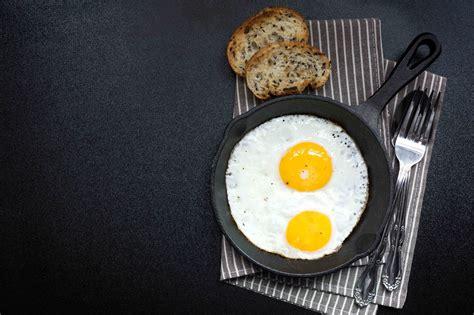 langkah mudah membuat telur mata sapi masak  hari
