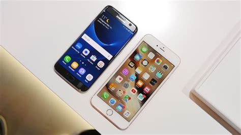 samsung galaxy s7 edge vs apple iphone 6s plus look phonearena reviews