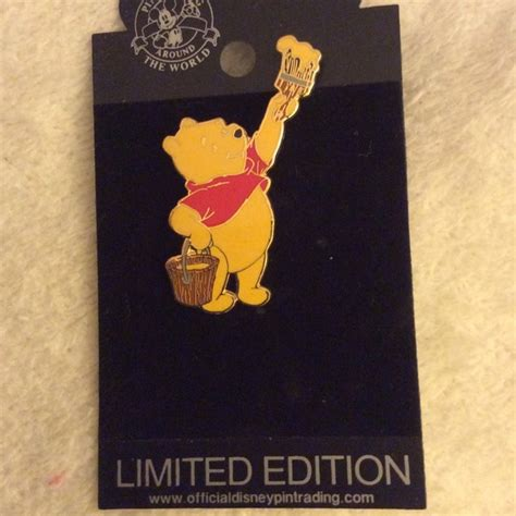 Limited Edition Selimut Winnie The Pooh disney limited edition winnie the pooh disney pin from