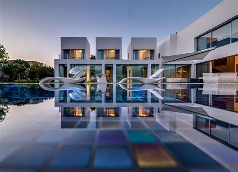 modern mansion modern mansion with pool for more pictures visit http a sea of luxury modern