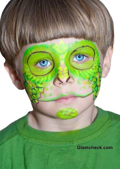 halloween chameleon face art   boys halloween