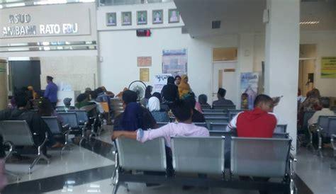 Kursi Ruang Tunggu Rumah Sakit pelayanan tunggu rsud syamrabu bangkalan terlalu lama