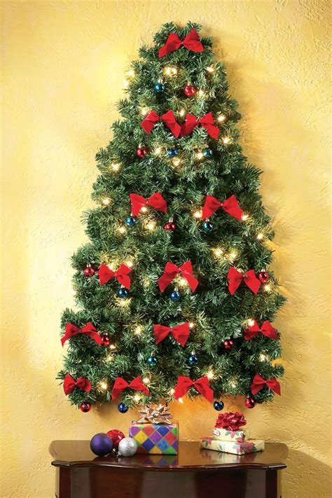 lighted wall hanging christmas tree