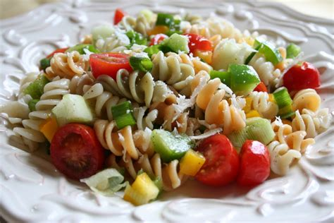 Simple Pasta Salad | l o v e easy pasta salad