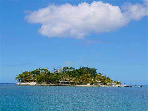 glass bottom boat vanuatu hideaway island and the glass bottom boat tour a year of