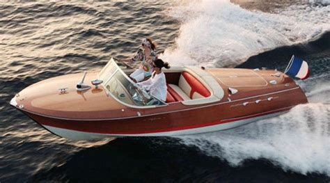 classic advanced fishing boat with electric motor t 18 std notice how this riva runabout doesn t have the white ribs