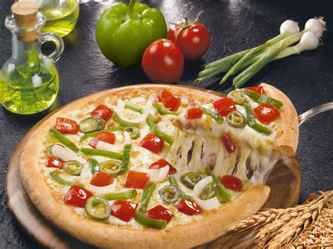 Dominos Background Check Domino S Pizza Khushiyon Ki Home Delivery Amit Tiwari