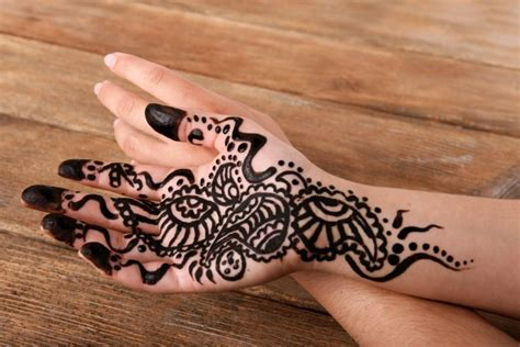 henna tattoos at home ash kumar explains how to tell if someone s using illegal