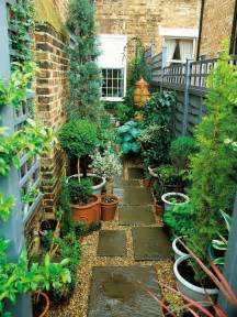 Small Narrow Garden Ideas The 25 Best Ideas About Narrow Garden On Small Gardens Small Courtyards And Tiny