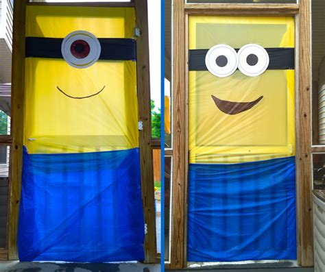 Minion Door Decoration by How To A Minions Themed Birthday Bash