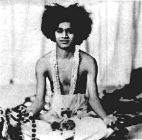 mía maestro husband 1000 images about sathya sai baba on pinterest sathya