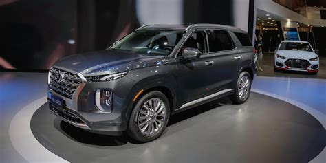 2020 hyundai palisade hybrid the 2020 hyundai palisade is a boldly styled three row