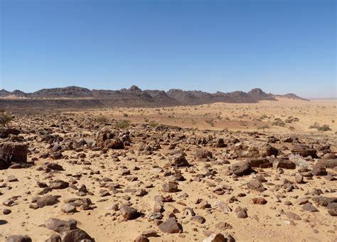 stone desert ergs regs hamadas the sahara desert a