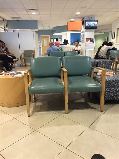 Emergency Room Las Vegas Nv by Waiting Room For Er Not Crowded Yelp