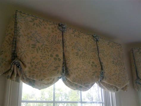 how to hang balloon curtains 232 best images about valances on pinterest window