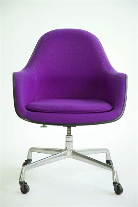 Charles Eames Chair For Sale Design Ideas Ideas About Computer Setup On Gaming Monitor And Pc Arafen