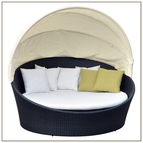 round outdoor chaise lounge round chaise lounge outdoor silhouettes