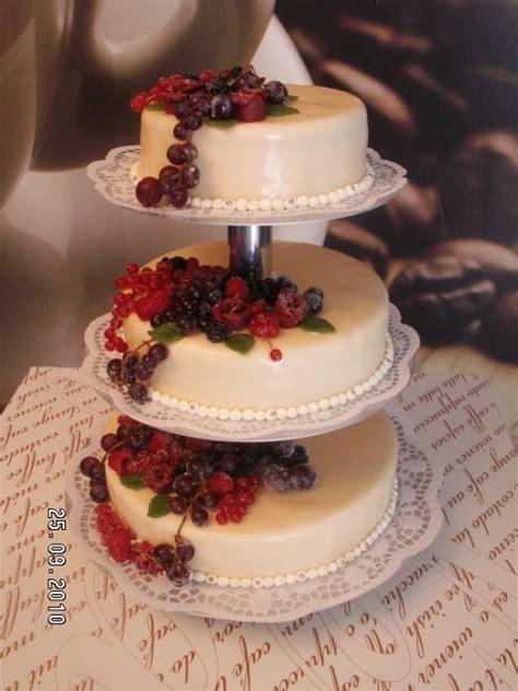 Hochzeitstorte Obst Herz by Hochzeitstorte Herz Fr 252 Chte Alle Guten Ideen 252 Ber Die Ehe