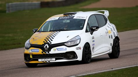 Renault Clio Cup by Renault Clio Cup Junior 2017 Review Car Magazine