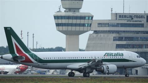 wind jet italian budget airline suspends all flights radio international