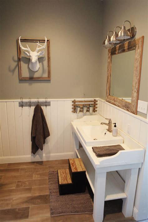 farmhouse bathroom vanity Bathroom Traditional with