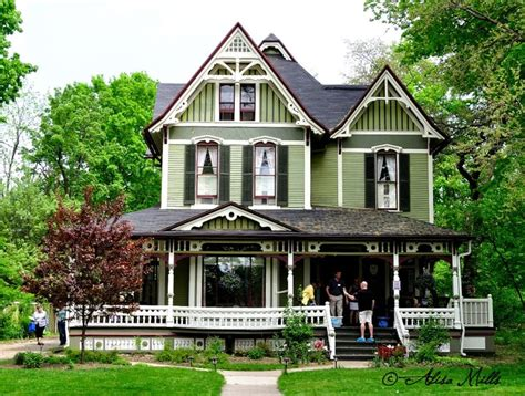 victorian house colors 246 best images about victorian exterior house paint ideas on pinterest queen anne