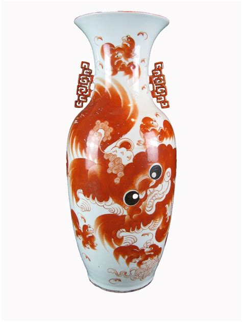 vaso cinese antico grande vaso cinese antico in porcellana decorata in rosso