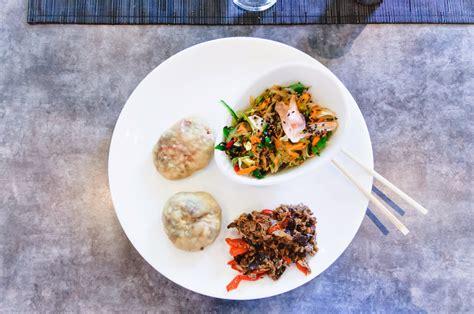 cuisine japonaise recette recette de cuisine japonaise oyakis et salade de l 233 gumes