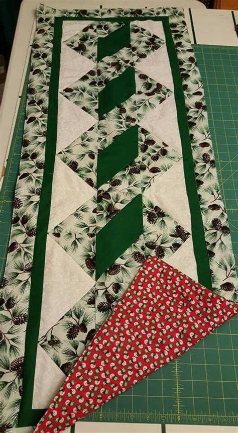 Free Patchwork Table Runner Patterns - 17 best ideas about patchwork table runner on