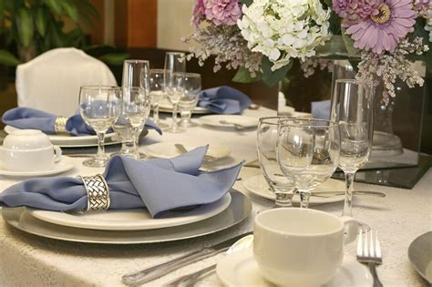 silver place settings 44 terrific table setting ideas for dinner parties