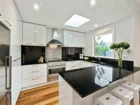 u shaped kitchen flip house ideas pinterest kitchens 70 coole bilder von k 252 che mit tresen archzine net