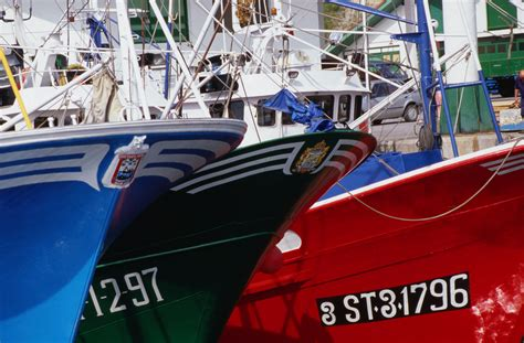 where on the boat are registration numbers placed where to place your boat registration numbers