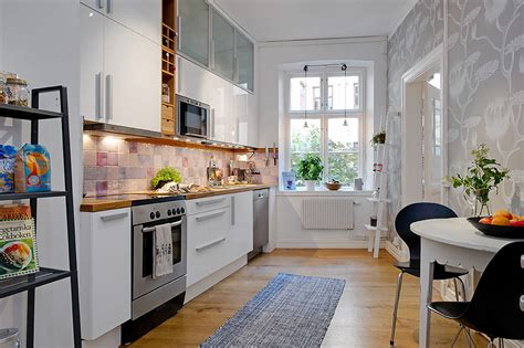 ideas for small kitchens in apartments 5 steps decorating the apartment kitchen at a small cost