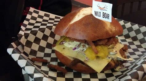 bitty burger barn food network finding the best burger for your buck in houston abc13