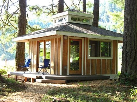 tiny house cabin 3 great thoreau quotes and a peaceful little cabin in the