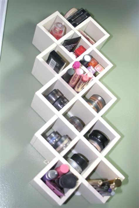 Rak Dinding Untuk Kosmetik 18 inspirasi rak make up minimalis untuk kamarmu yang