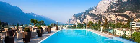 soggiorni lago di garda week end romantico sul lago di garda soggiorno offerta hotel
