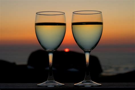 beautiful wine glasses beautiful pictures of wine glasses