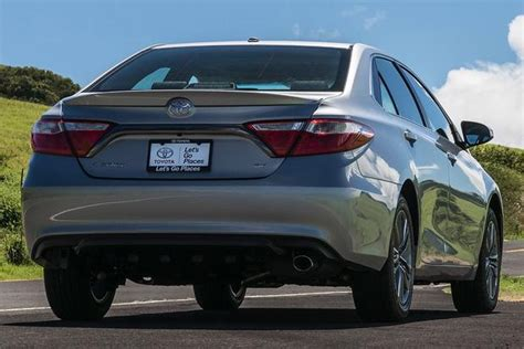 Toyota Camry Vs Ford Fusion Toyota Camry Vs Ford Fusion 2017 Ototrends Net