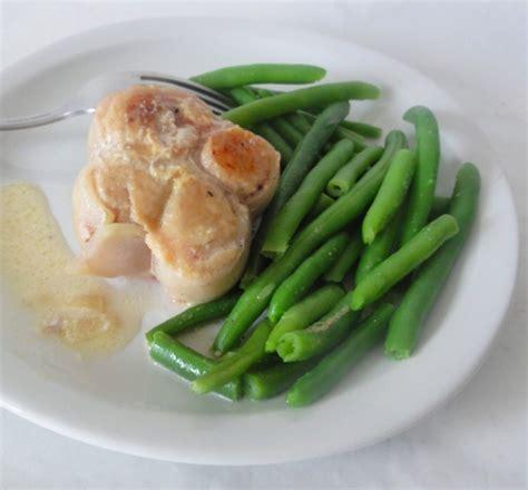 cuisiner des paupiettes de dinde paupiettes de dinde 233 chalotes haricots verts aux fourneaux