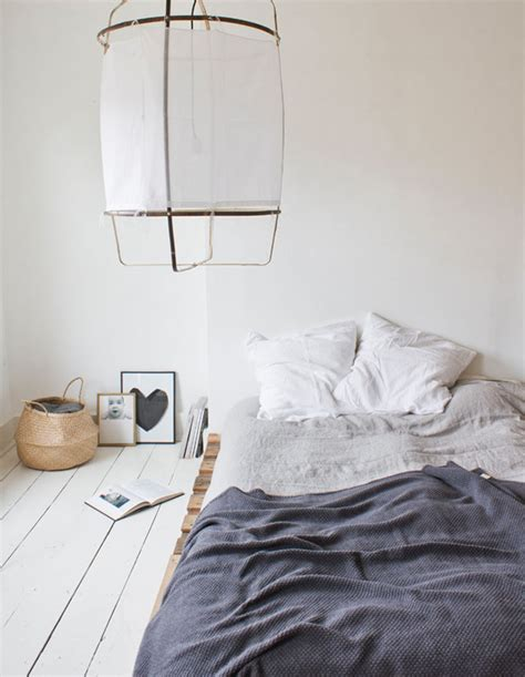 beds on the floor saying no to a traditional bedroom how to style a bed on the floor