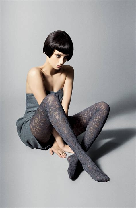 victoria diamond pattern tights by veneziana