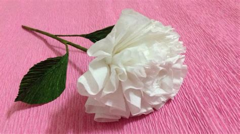 How To Make A Flower Of Tissue Paper - how to make tissue paper flowers tissue paper